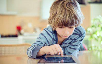 Accompagner son enfant dans ses premiers pas sur internet