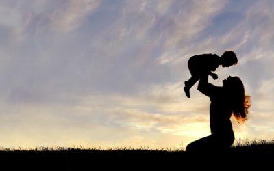 Pour qu'il se construise sereinement, rappelez à votre enfant qu'il a de la valeur