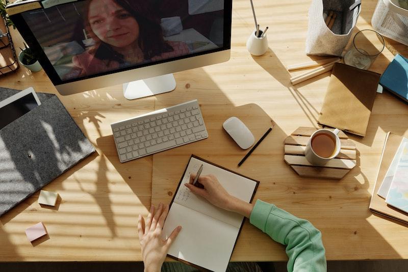 Comment donner des cours particuliers en ligne en temps qu'étudiant ?